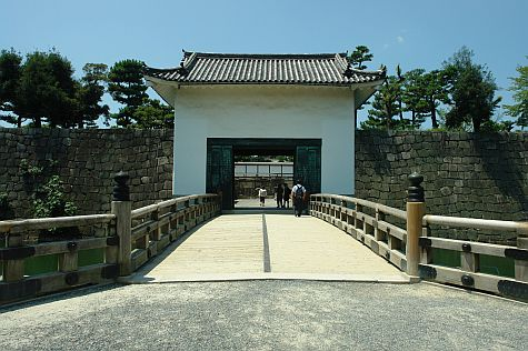 20070726_nijo_gate_west
